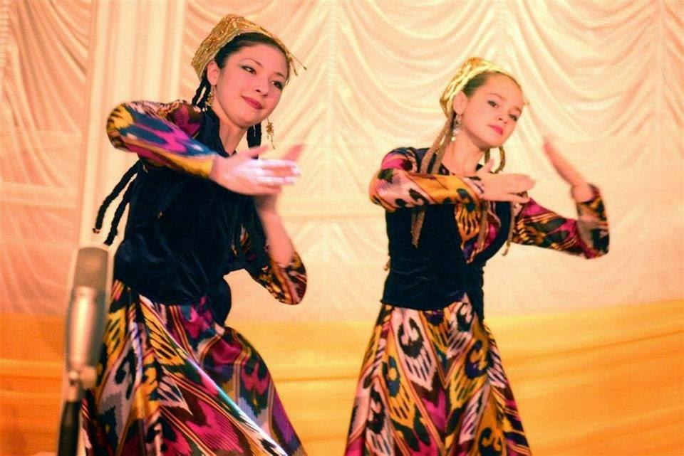 Узбекский танец в паре