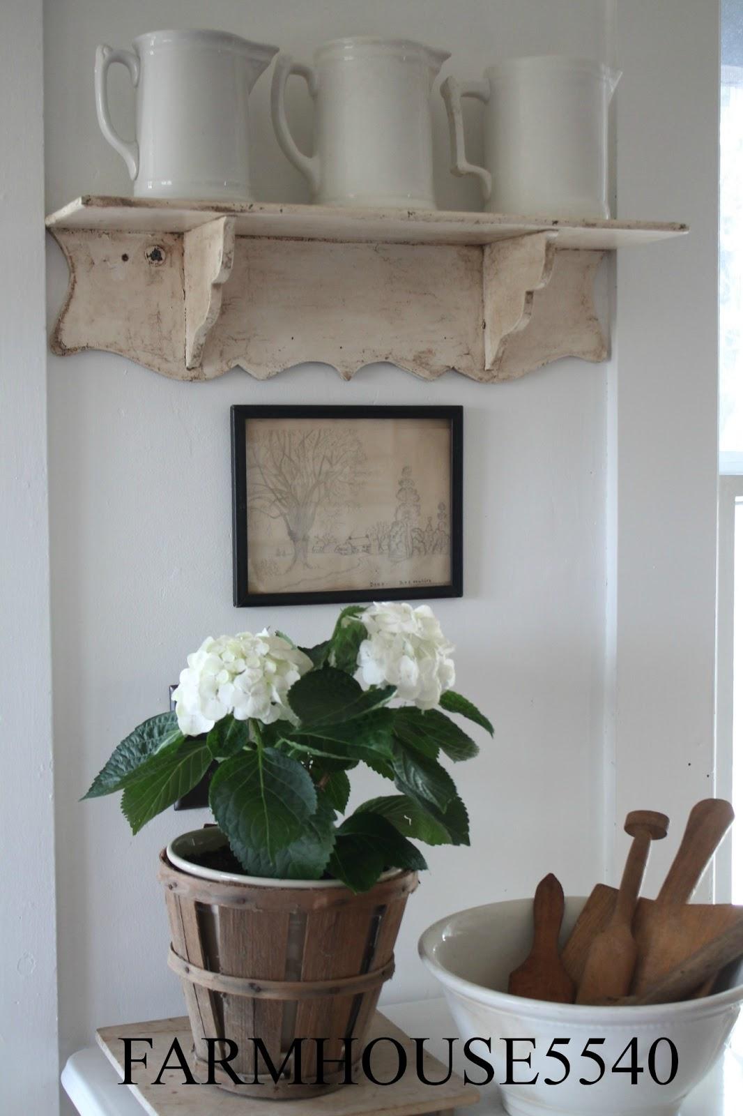 FARMHOUSE 5540 Little White Cupboard
