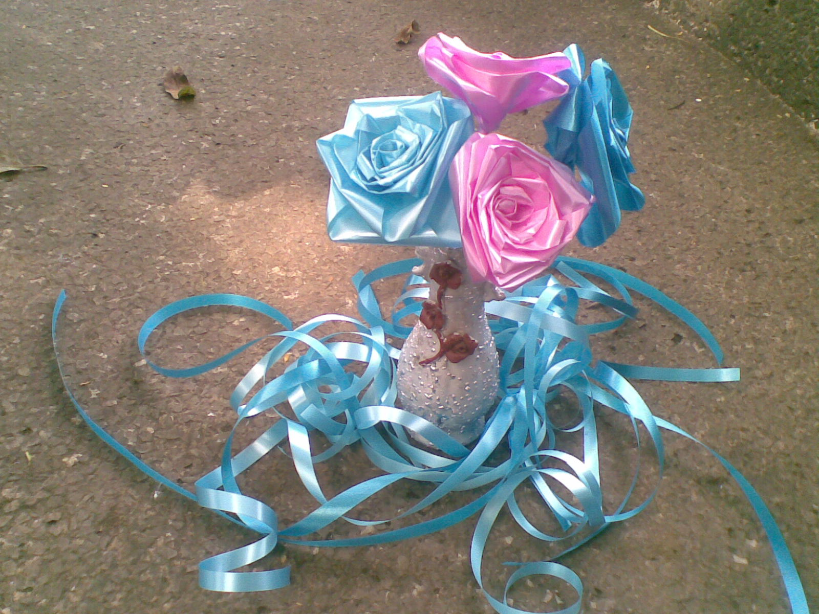 Peekadot paper ribbon roses it came out so nice after the party she took it back home mightylinksfo