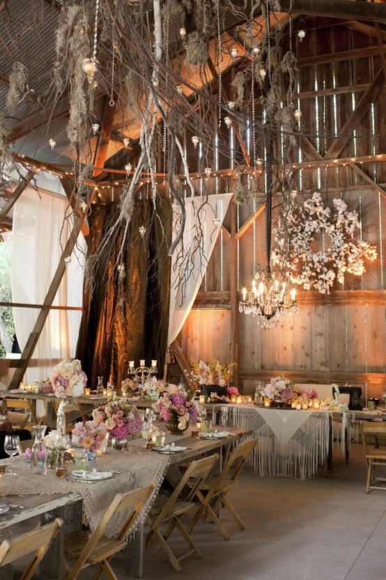 LQ Designs 10 Barn Wedding Decor Ideas