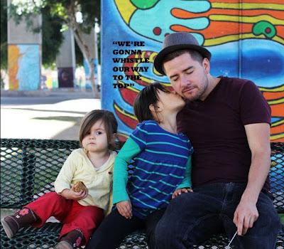 Хорхе Нарваес с дочерьми