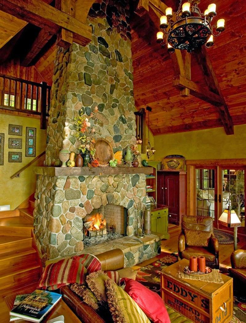 Деревянный дом в американском стиле, камин