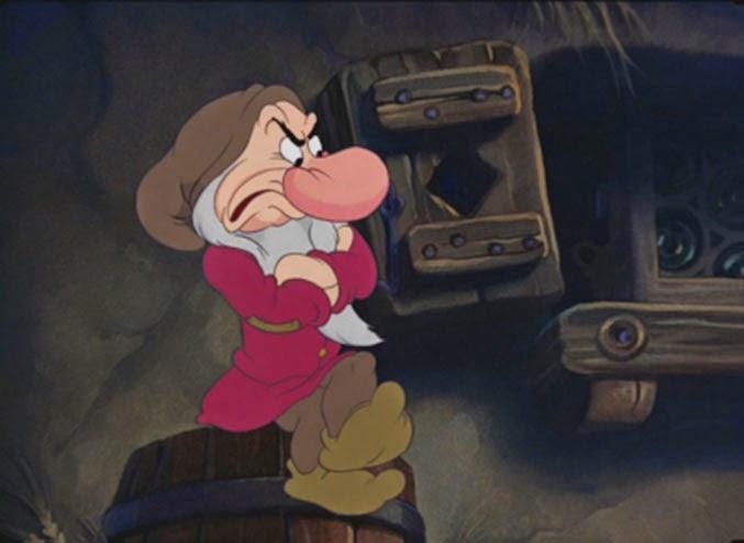 en effet le personnage de grincheux est mis en avant dans le dessin anim car cest le seul nain subir une volution la premire fois que les nains