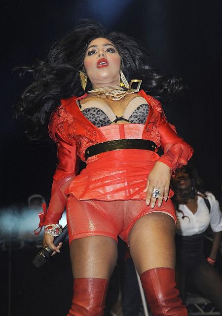 Lil Kim got a fatter cameltoe than Lady Gaga