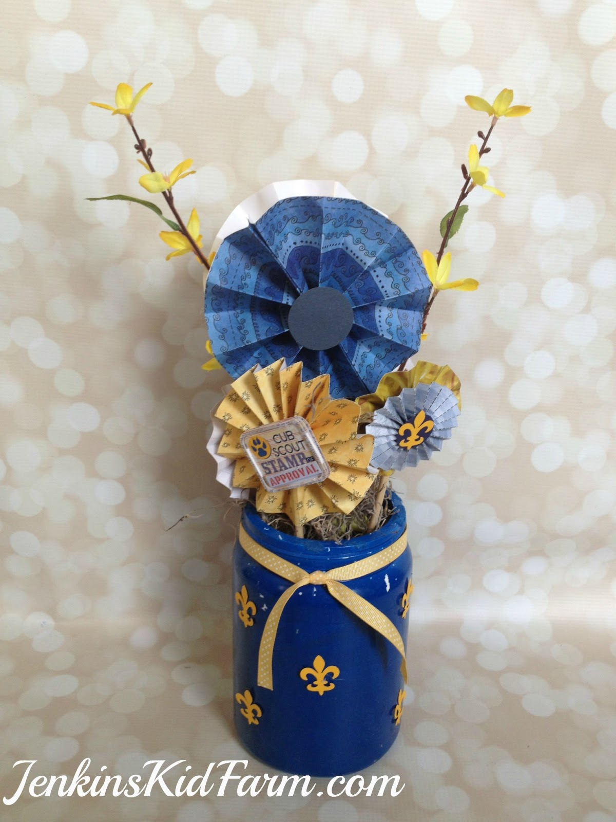 Jenkins kid farm blue and gold banquet centerpiece