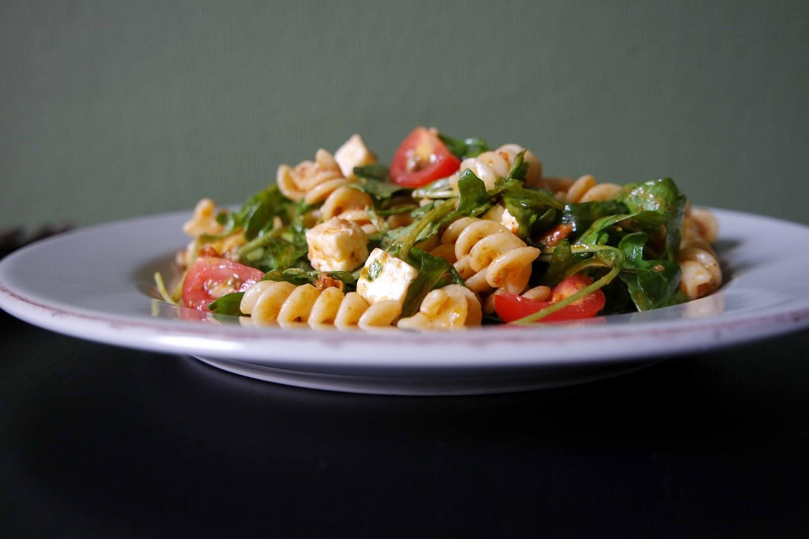 schneller nudelsalat mit pesto ela  s küchenzauber