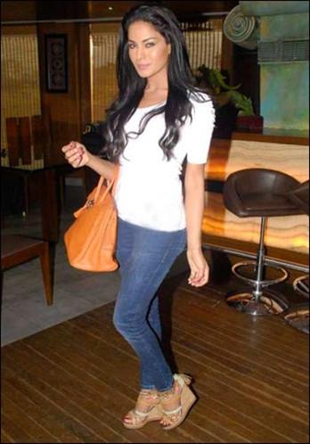 Veena Malik Spicy