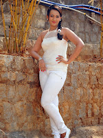 Ester Noronha in white from Bheemavaram Bullodu-cover-photo