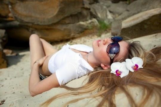 cara perawatan rambut saat musim panas