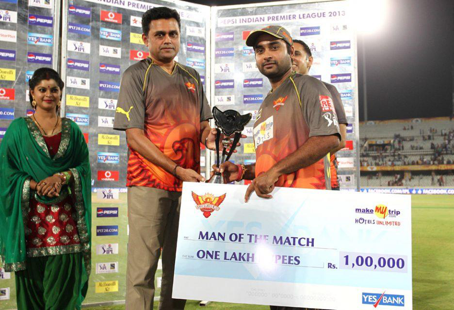 Amit-Mishra-Man-of-the-Match-SRH-vs-RR-IPL-2013