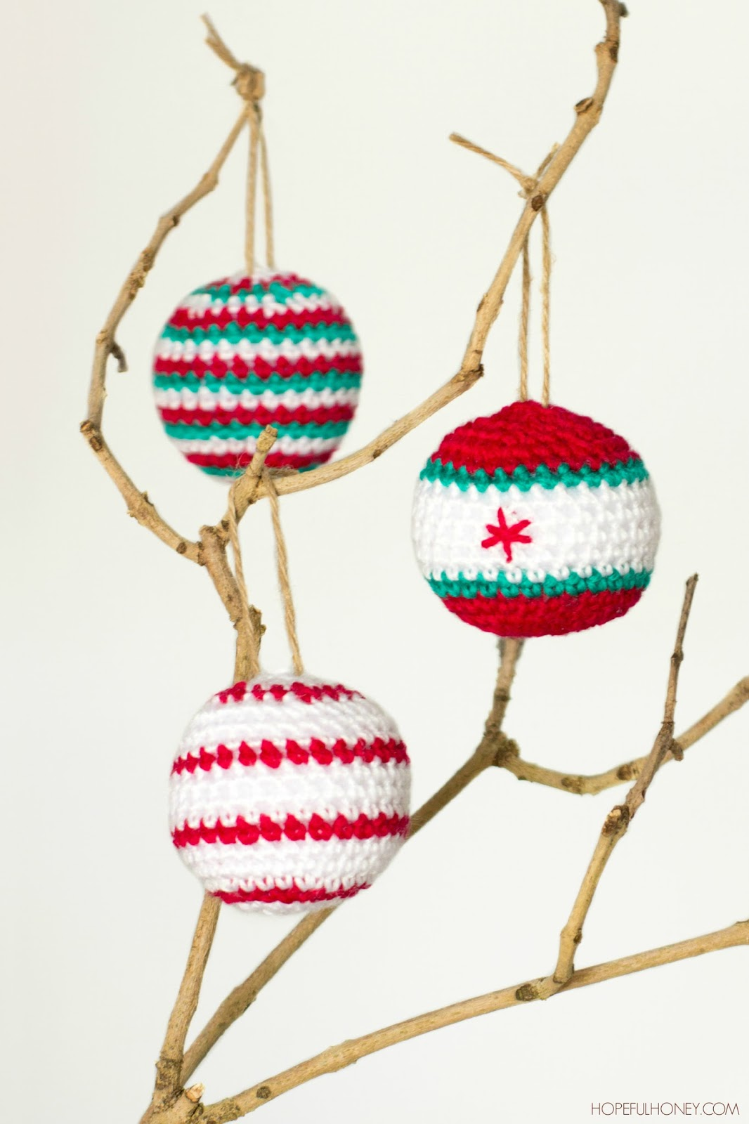 Free Crochet Pattern Christmas Bauble : Christmas Baubles - Interweave