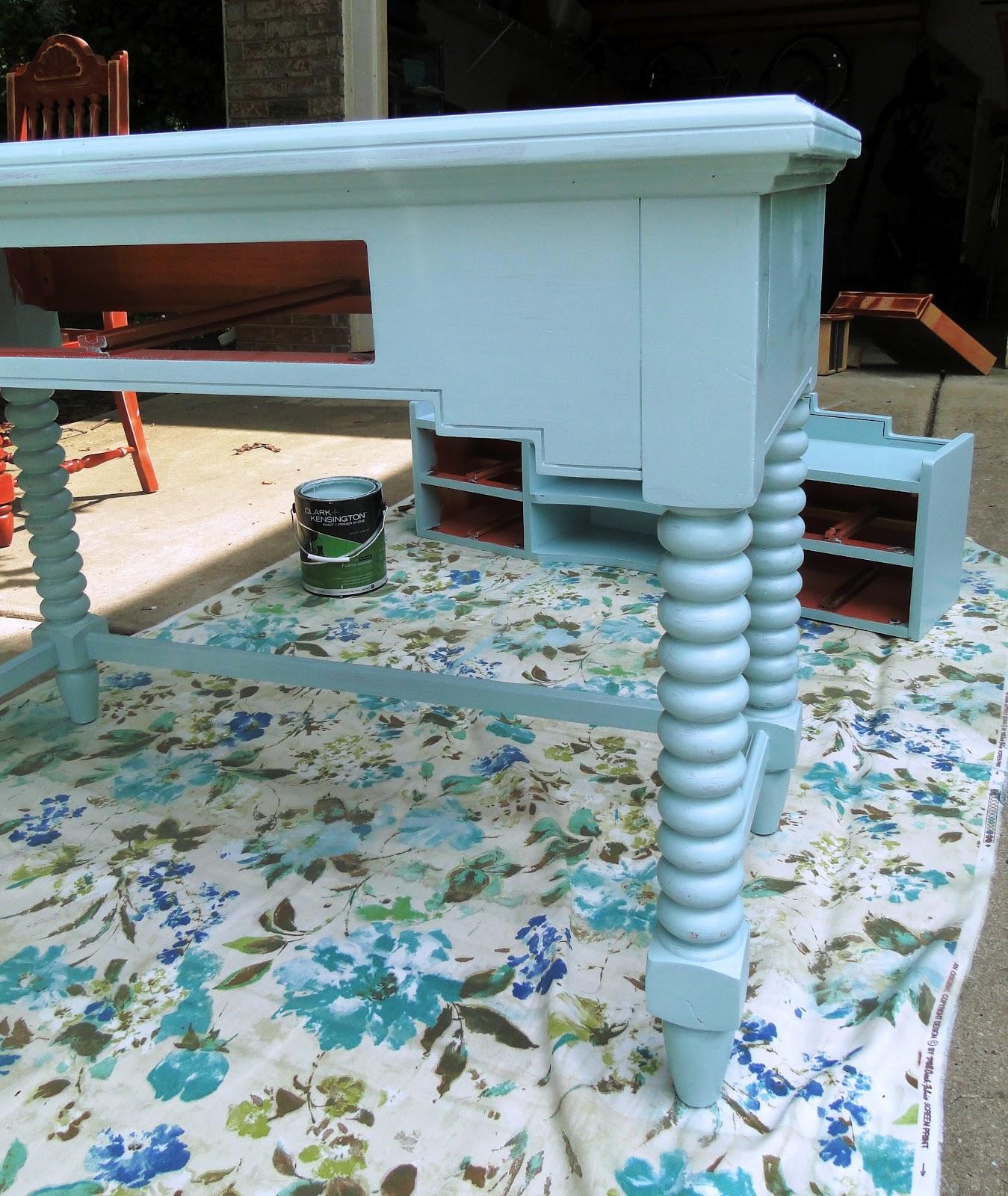 button bird designs robin 39 s egg blue anyone. Black Bedroom Furniture Sets. Home Design Ideas