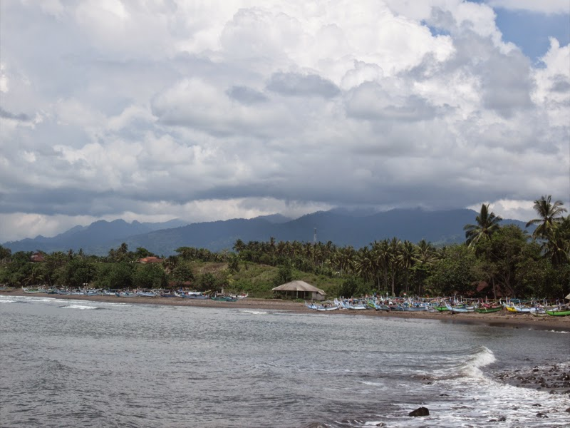 Tempat Wisata Pantai Medewi