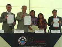 Tres fuerzas políticas firman compromiso por la justicia y la vida
