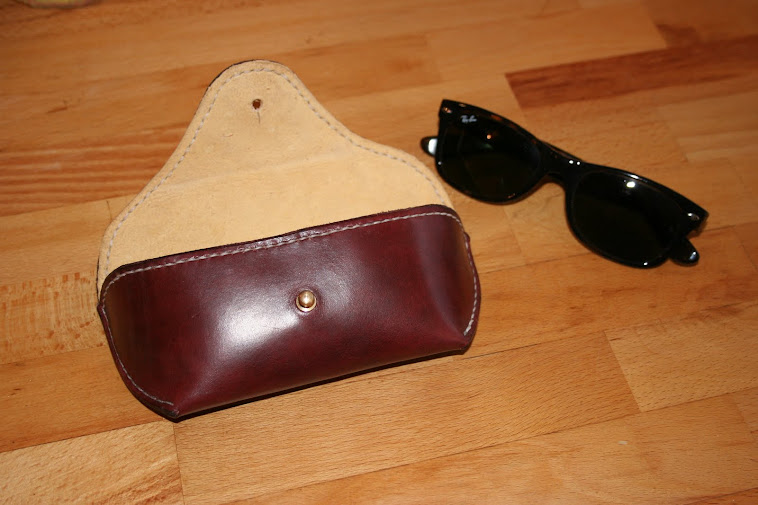 Case for Ray-Ban Aviator / Wayfarer. Hide with Chamois lining.