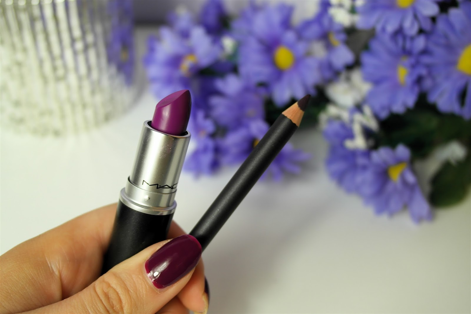 Mac Heroine lipstick and nightmoth liner review