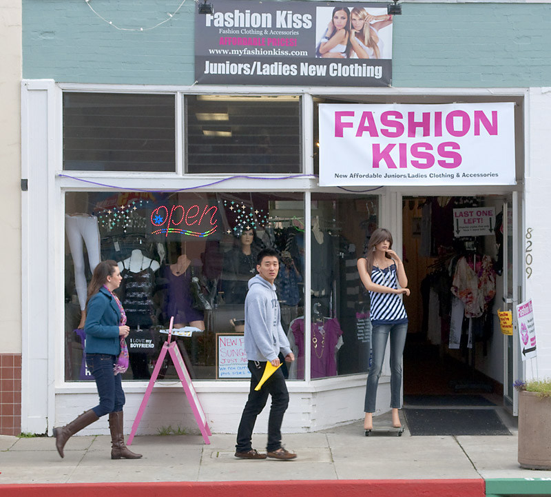 Fashion Kiss; click for previous post