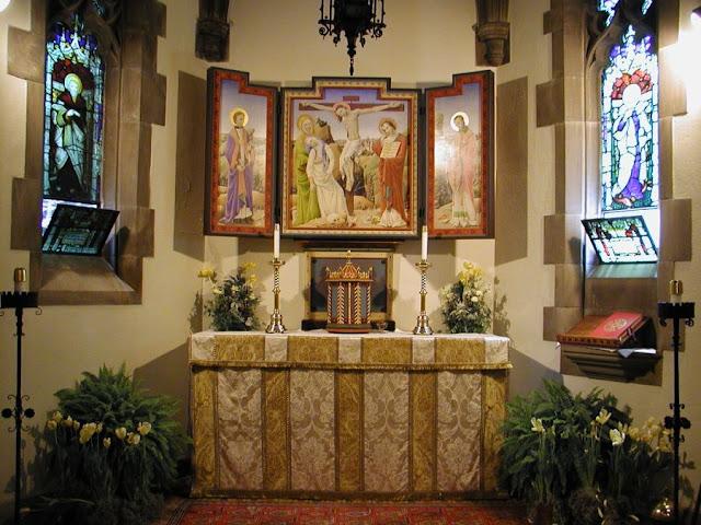 construir gruta jardim : construir gruta jardim:Domestica Ecclesia – O blog da Igreja doméstica: Altares domésticos
