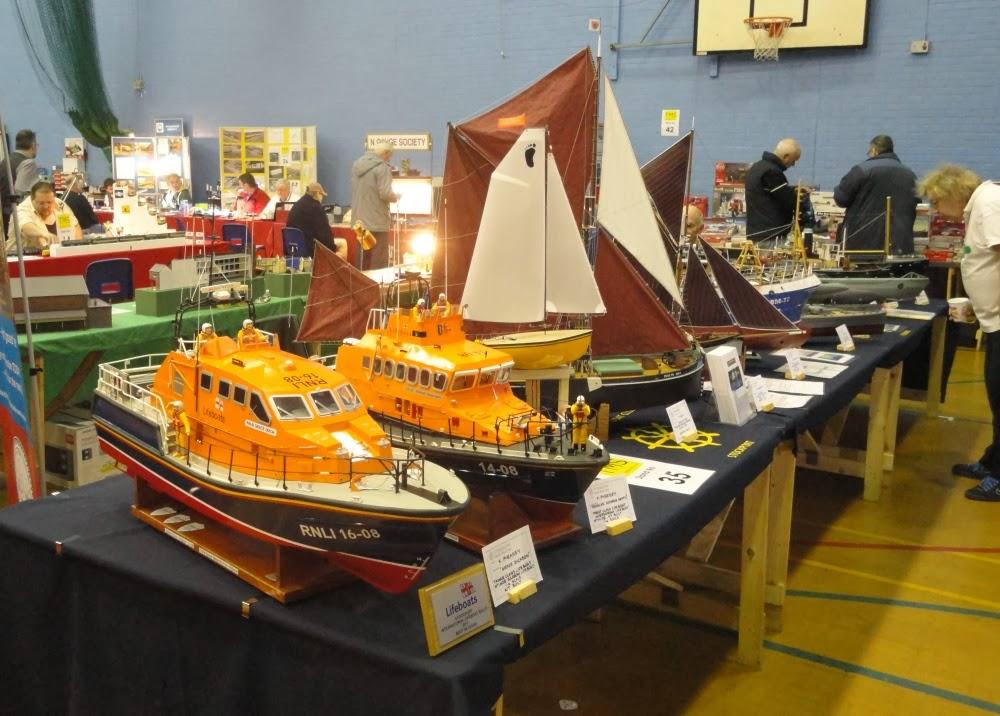 Etherow Model Boat club: December 2013