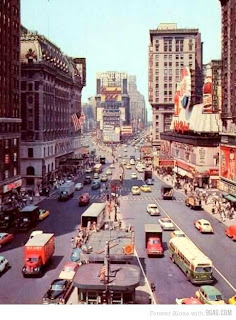 Times Square (Best Honeymoon Destinations In USA) 6