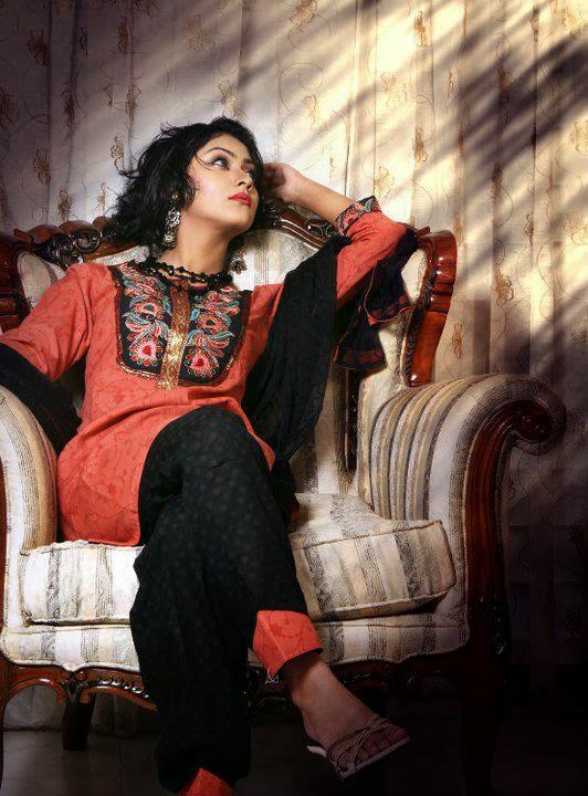 Bangladeshi+Model+%2526+Actress+Shaina+Amin012