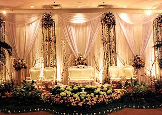 Aneka dekorasi pelaminan di pesta perkawinan