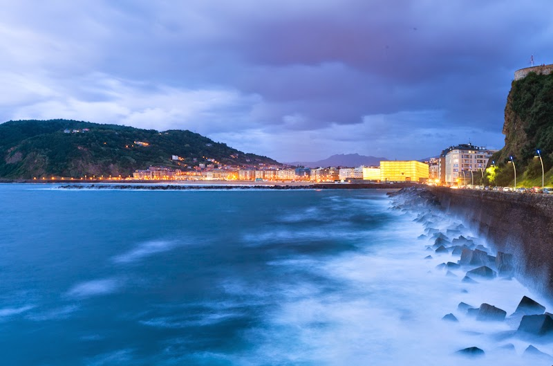 http://stock.davidfajula.com/media/374e1fa4-16da-11e2-9b23-93fab5ba5443-san-sebastian-donostia-at-dusk-kursaal-theatre-in-the-center?hit_num=7&hits=12&page=1&per_page=24&prev=be540898-f20d-11e1-8684-00259030440e&search=Atlantic