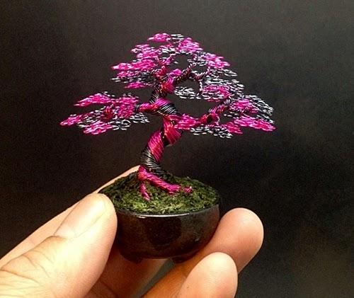 04-Ken-To-aka-KenToArt-Miniature-Wire-Bonsai-Tree-Sculptures-www-designstack-co