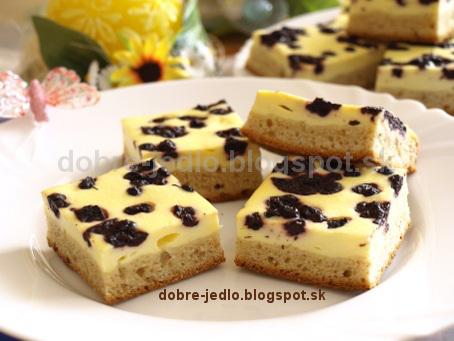 Kysnutý koláč s tvarohom a čučoriedkami - recepty