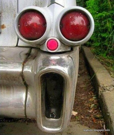 Car Lantern Face Awe - Rosto de Lanterna do Carro Assustado - Pareidolia-001
