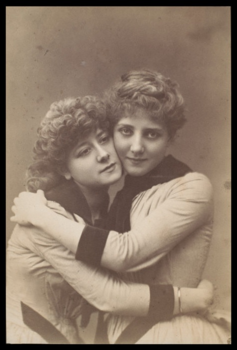 Sisters #antique #photograph #sisters