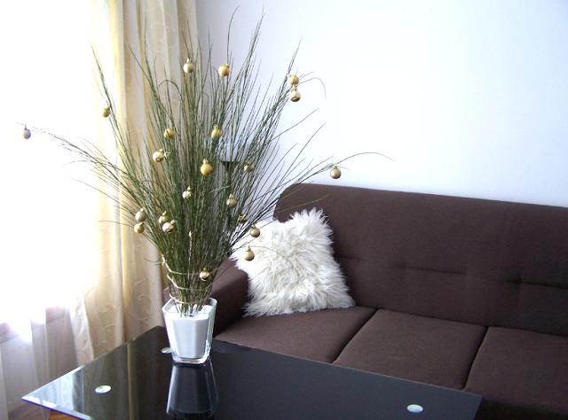 http://kasia-skalska.blogspot.com/2013/12/my-home-diy-swiateczne-minimalistyczne_6.html