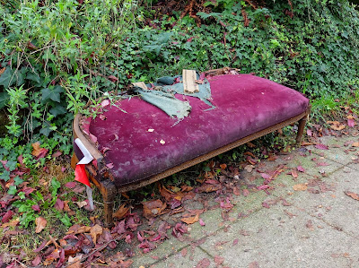 Half a settee is better than none?  Spotted at N 36th St, near the Troll