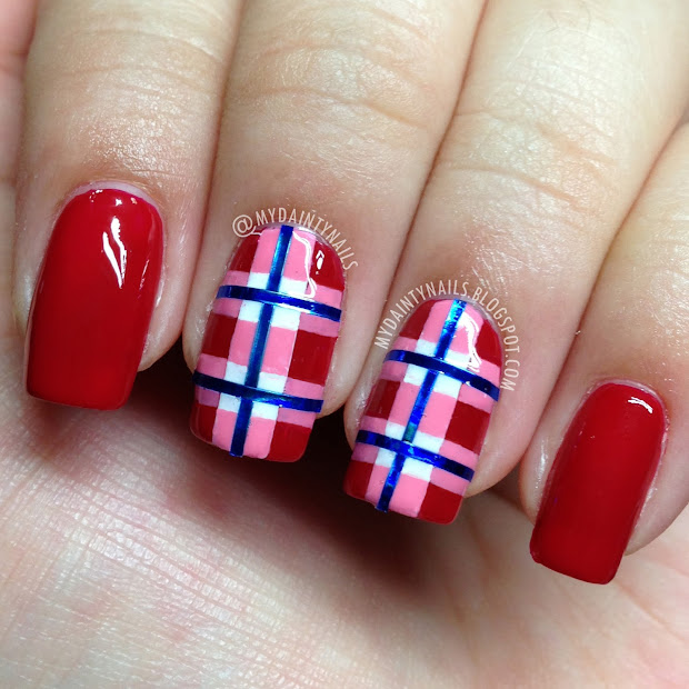 dainty nails red checkered