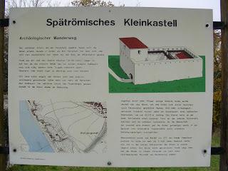 Kleinkastell-Infotafel auf dem Frauenberg beim Kloster Weltenburg 2007