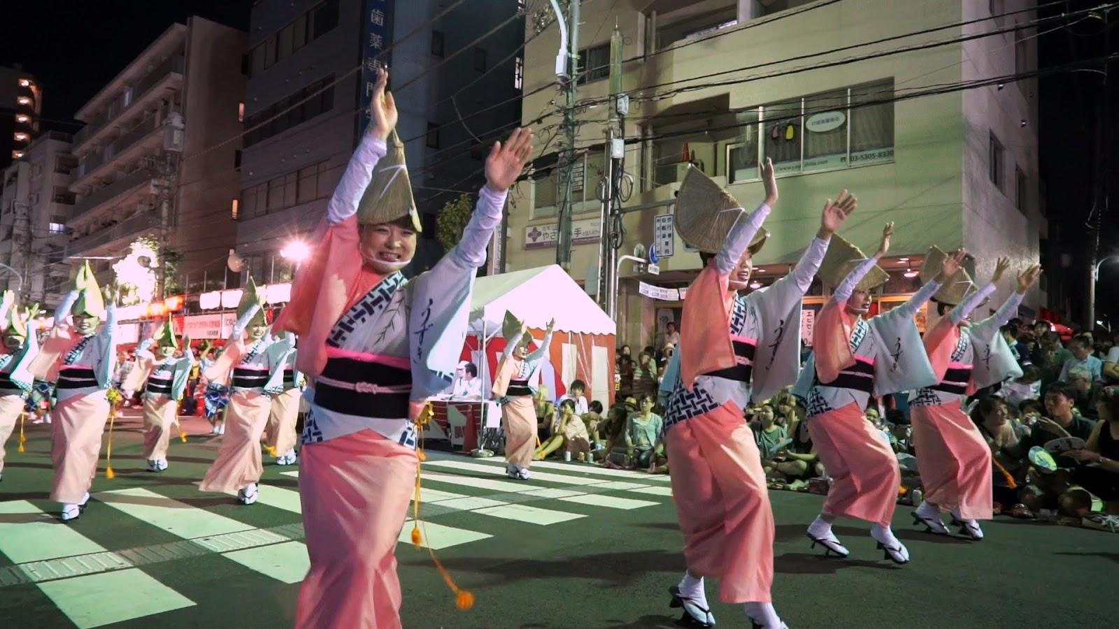 高円寺阿波おどり、徳島のうずき連の動画を見る