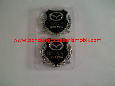 Logo Samping Exclusive Besi 2 Pcs Mazda Silver