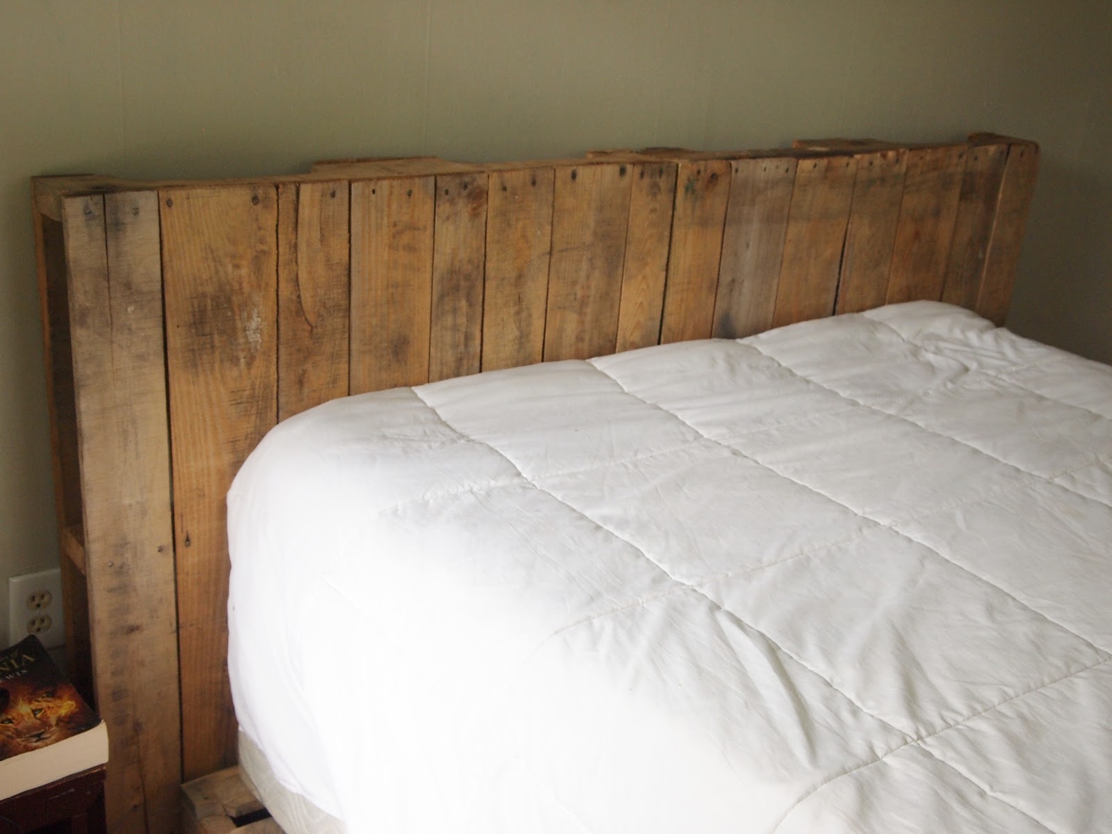 Making a Platform Bed Out of Pallets