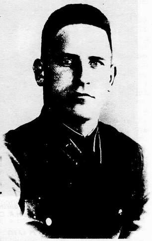 Погиб 16 января 1942 года в феодосии