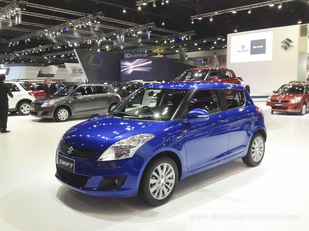 Mobil Warna Yamaha Blue Metalik