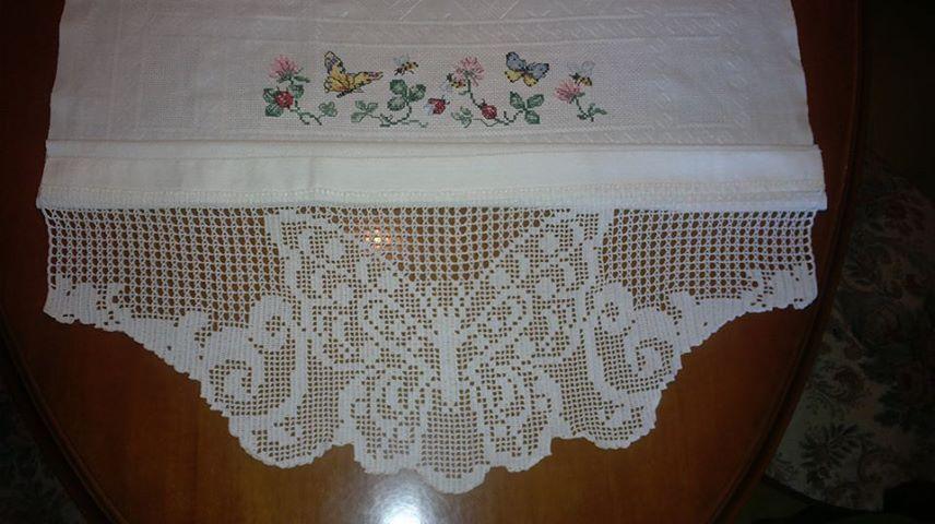 Lavori all 39 uncinetto bordura farfalla per asciugamano di lino for Merletti all uncinetto