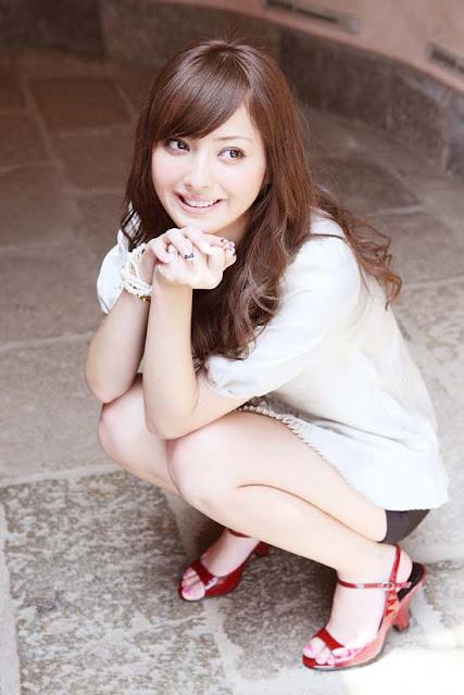 Nozomi Sasaki Photos Gallery