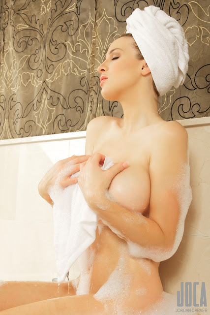 Jordan Carver Nude in bathroom/Bubble Bath
