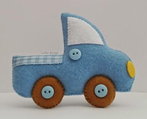 Caminhãozinho azul em feltro