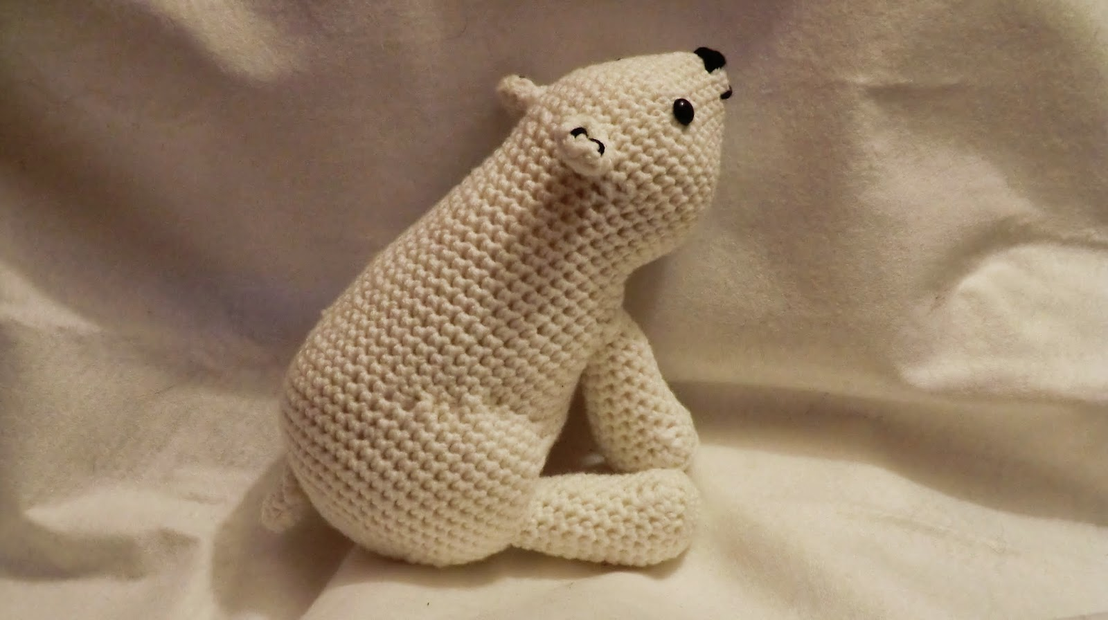Amigurumi barmy crochet i was asked for a polar bear with a scarf i knew i wanted it to look like a proper polar bear and not an amigurumi style bear dt1010fo