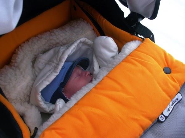 miękka gondola do wózka dla bliźniaków, rok po roku