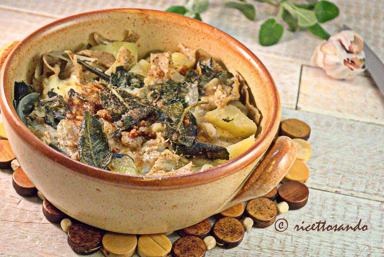 Pizzoccheri valtellinesi ricetta tradizionale a base di pasta fatta in casa con grano saraceno
