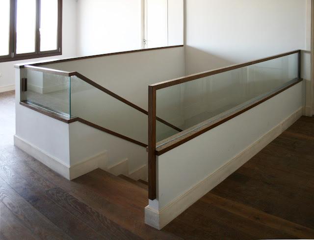 Barandilla de escalera de madera y vidrio espacios en madera - Barandillas cristal para escaleras ...