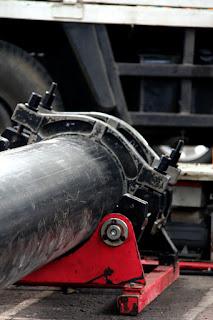 http://ekonomi.kompasiana.com/bisnis/2012/08/20/mengenal-pipa-hdpe-high-density-polyethylene-486834.html