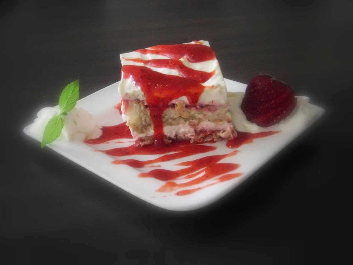 Restaurant La Piazzetta St. Peter-Ording: Tiramisu mit Erdbeere